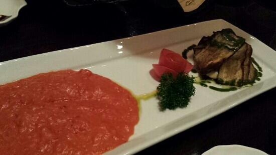 Luna Negra : Fried eggplant with mozzarella, zucchini and tomato