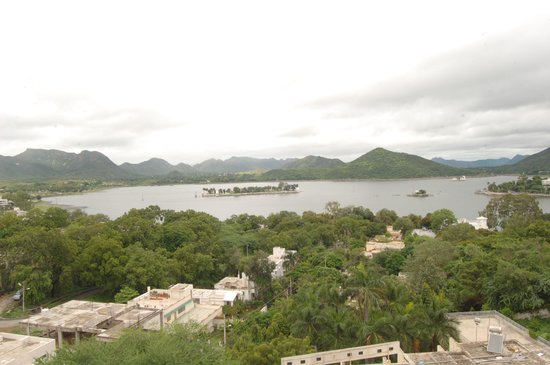 Hotel Kalika Palace: Lake view from roof top