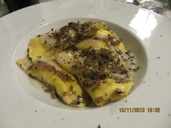 Il Vezzo: beautiful truffle/tartufo pasta