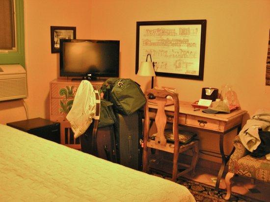 La Posada Hotel: Room 114 - pardon the laundry!