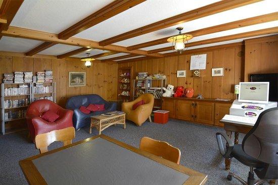 Hotel Roessli : 1st Floor Lounge at the Roessli