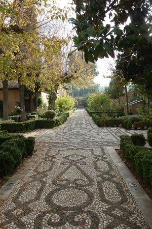 Parador de Granada: entrée jardin