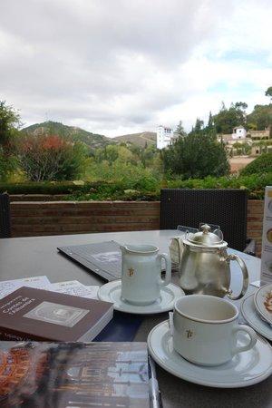 Parador de Granada: vue de la terrasse du café
