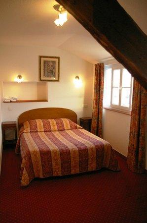 Hotel Le Saint Amant : Une chambre double