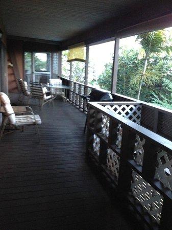Hale O Pua Lani: Deck / Porch