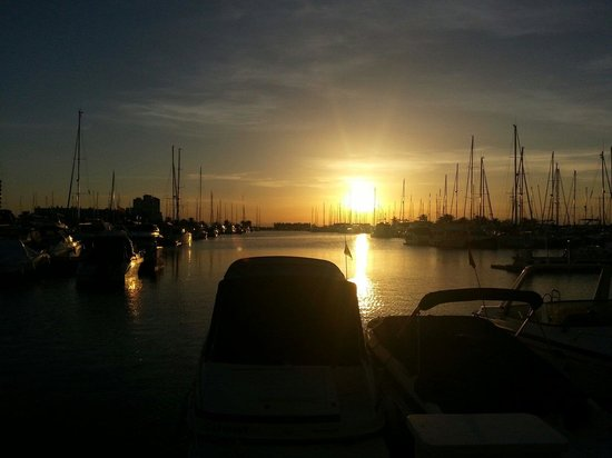 Playa Principe: Sunset from the Tomas Maestre marina