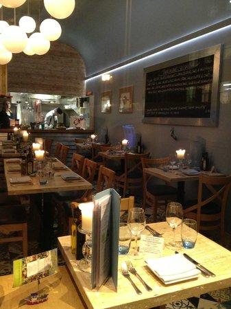 Tanroagan Seafood Restaurant: interior shot