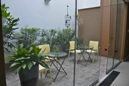 3B Barranco's - Chic and Basic - B&B : hermoso patio-jardin