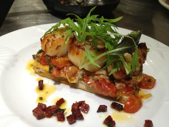 Tanroagan Seafood Restaurant: Manx scallop bruscetta