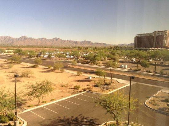 Hampton Inn & Suites Scottsdale/Riverwalk : View from room. Talking Stick Casino across the street
