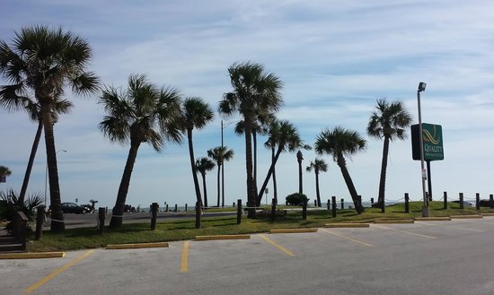 Quality Inn & Suites Beachfront : View from parking lot