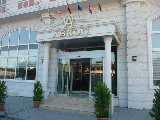 Askoc Hotel: Eingang