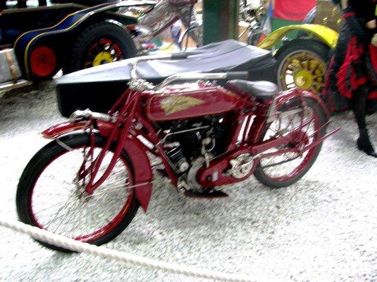Indian Motorcycle - Foto van Auto & Technik Museum (Automobile and ...: https://www.tripadvisor.nl/LocationPhotoDirectLink-g635847-d670259...