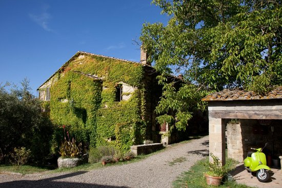 Pieve di Caminino Historic Farm: The former church