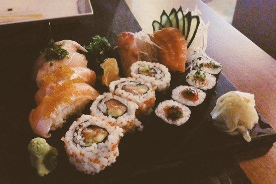 Sushi fish picture of sushi fish baleal tripadvisor for Fish for sushi