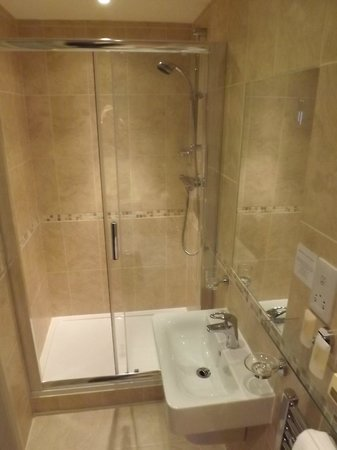 The Westbourne: Shower