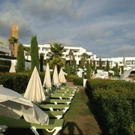 Hotel Fuerte el Rompido: Hamacas en la piscina.