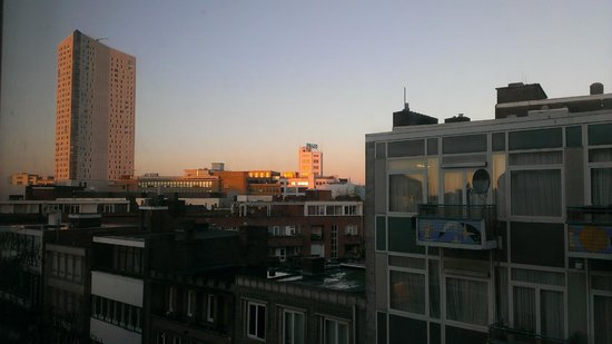 Hampshire Hotel - Crown Eindhoven: Sunrise Over Eindhoven