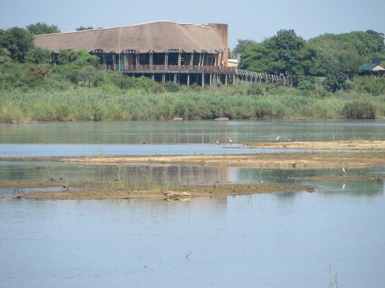 Lower Sabie Restcamp: View of restaurant overlooking the river