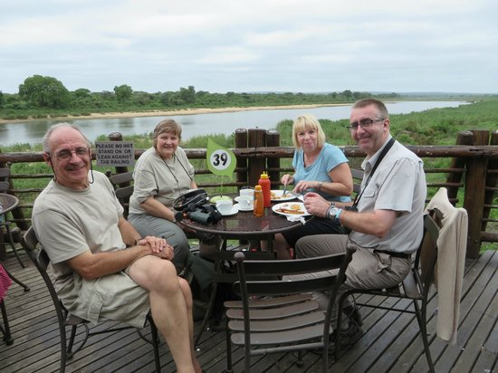 Lower Sabie Restcamp: Enjoying lunch on the outside terrace of the restaurant