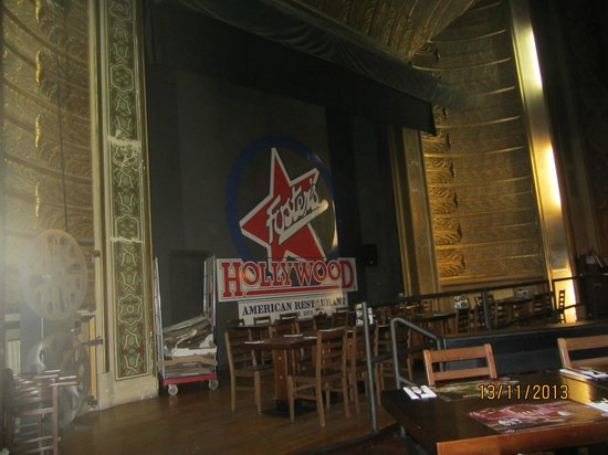 Foster's Hollywood : fosters stage