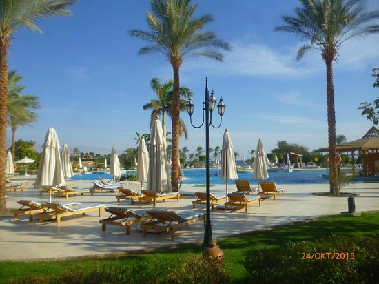 Movenpick Resort Taba Hotel : Центральный бассейн