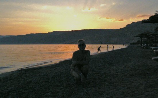 Movenpick Resort Taba Hotel : Закат на пляже