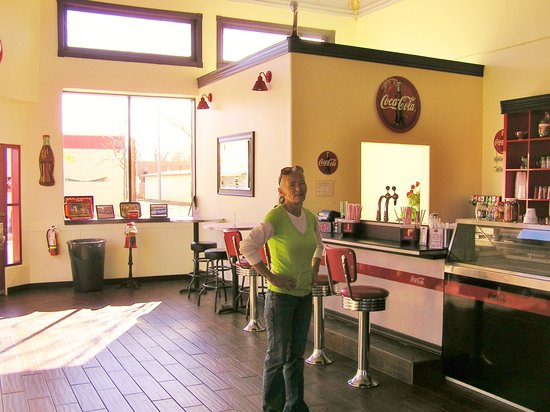 Dar's  Route 66 Diner : Dar on the interior of the Fizz'n Cream