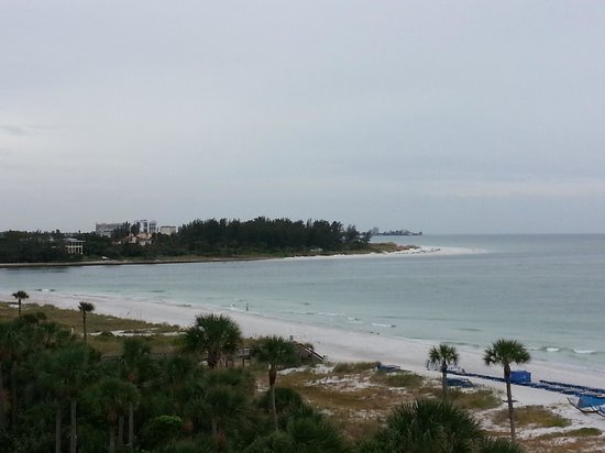 Resort at Longboat Key Club: View up the beach from our room