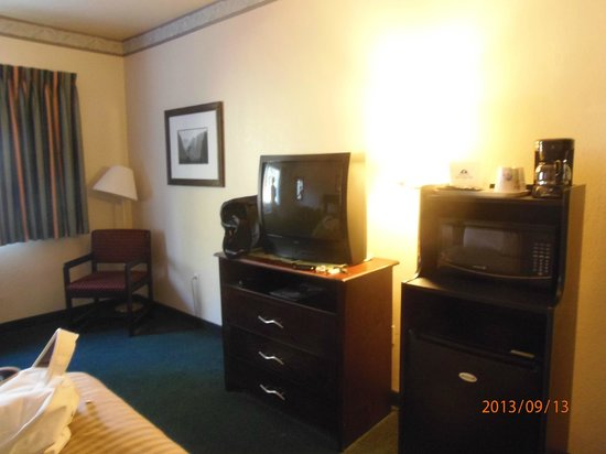 Americas Best Value Inn Yosemite-Oakhurst : habitacion