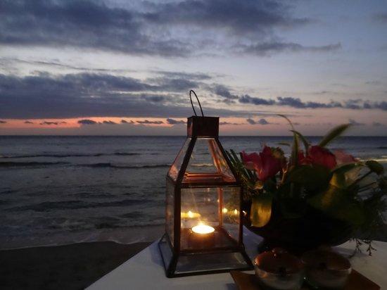 Sudamala Suites & Villas Senggigi : sunset dinner at Sudamala