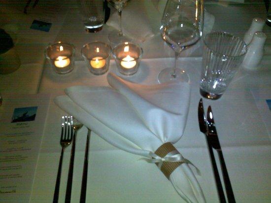 Hotel La Genzianella: Офомление столов на ужине
