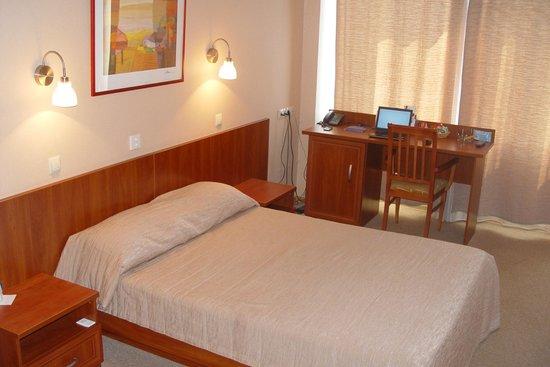 Vertol Hotel: 1