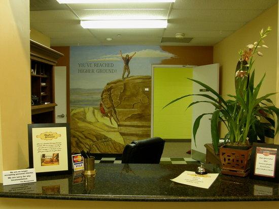 Higher Ground Hotel: Front Desk