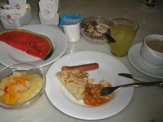 Hotel Abanico Sevilla: desayuno (casi un almuerzo!)
