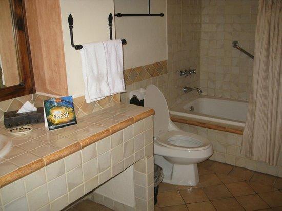 Porta Hotel Antigua: Bathroom
