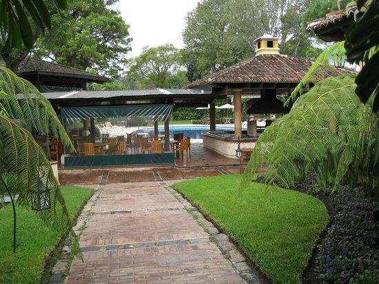 Porta Hotel Antigua: Toward the recreation pool