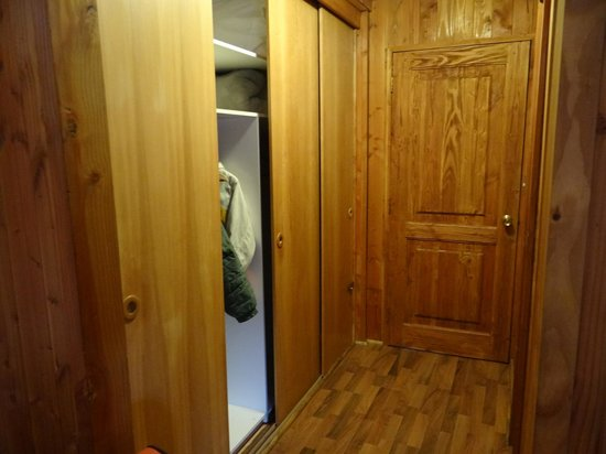 Hostal Muller: armário
