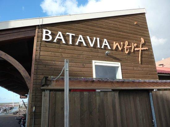 Hotel Lelystad Airport: ingang Bataviawerf