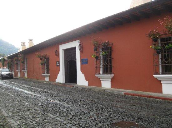 Porta Hotel Antigua : Outside of hotel building