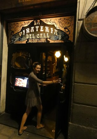 Taste Barcelona  Walking Tours : one of the numerous stop offs