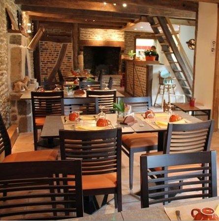 restaurant cr perie les chars bancs dans kervignac avec cuisine fran aise. Black Bedroom Furniture Sets. Home Design Ideas