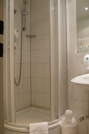 Berlin Mark Hotel: Bathroom 2