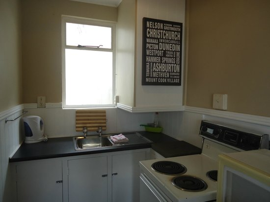 High Street Living Motel: Family unit Kitchen