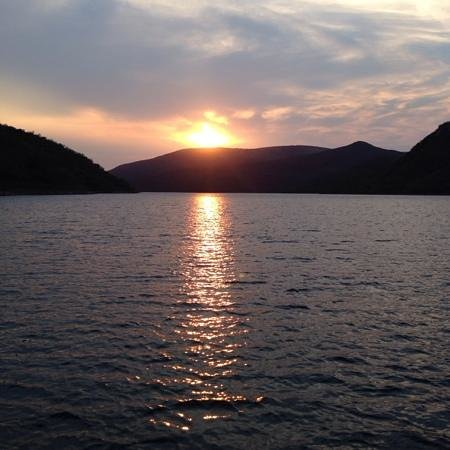 Jozini Tiger Lodge and Spa: Sunset Cruise on the lake
