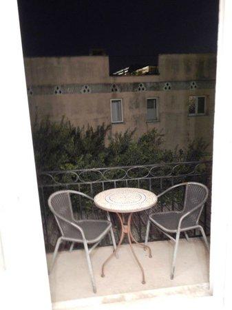Hotel Villa Les Cygnes: Balcony at night...