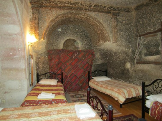 Elif Star Caves: Room