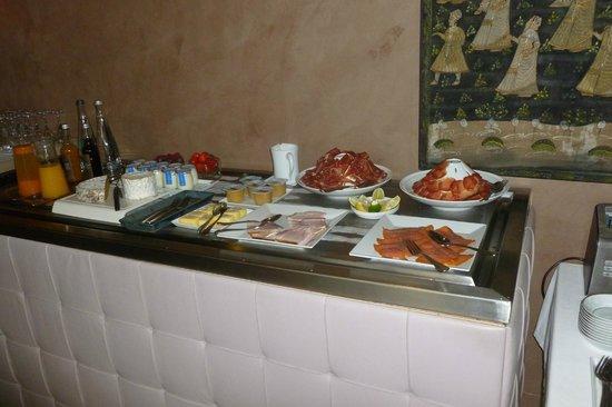 Chateau d'Adoménil : buffet petit déjeuner