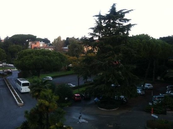 Crowne Plaza Rome - St. Peter's: View from balcony