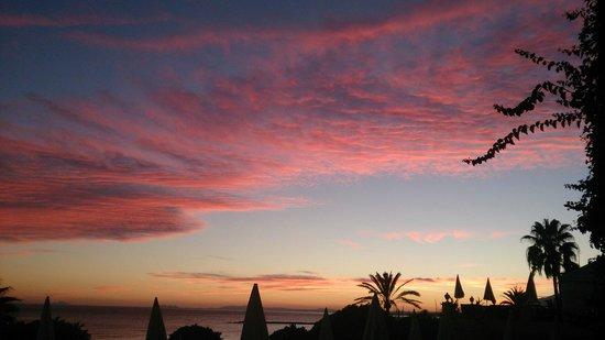 Amare Beach: Un moment magique saisi depuis les jardins de l'Hôtel Fuerte Miramar